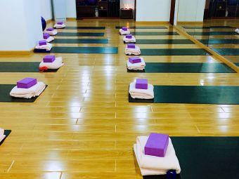 净心瑜伽会馆
