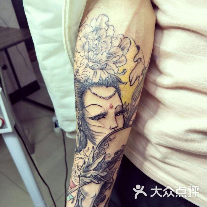 拓艺刺青手背奇卡诺图片-北京纹身-大众点评网图片