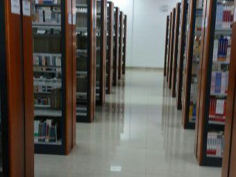 兰州财经大学无烟图书馆