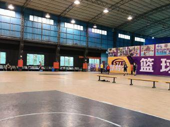 MX篮球站·舒特尔篮球训练营(魁奇路校区)