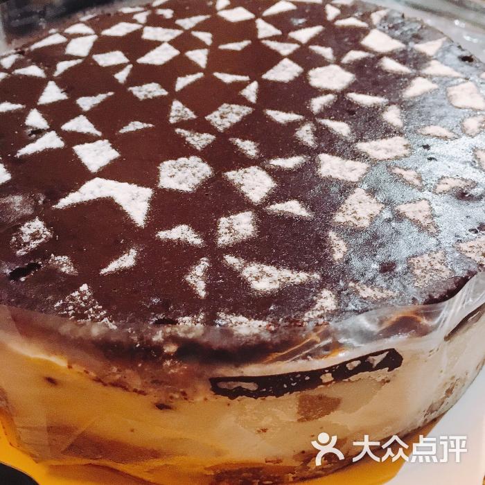 最后这是星巴克的蛋糕,好吃的不好不要的!