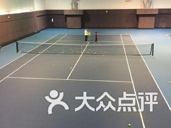 拼搏体育网球俱乐部(长宁路店)
