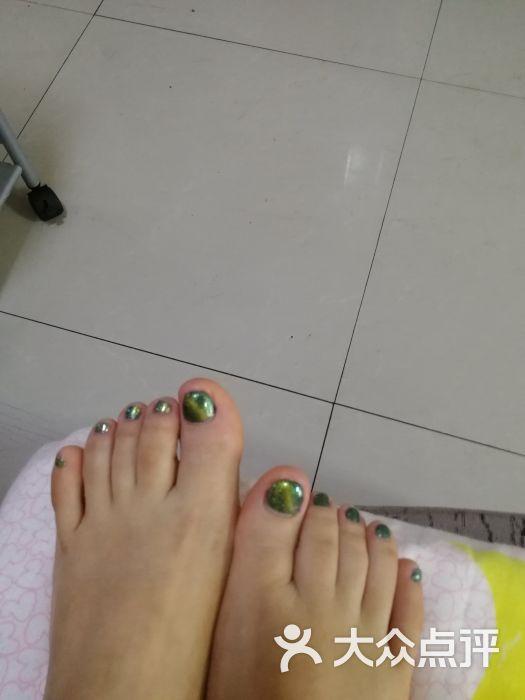 好旺脚修脚:小美女v美女,手法很好!下次我还.大腿美女的香港美图片