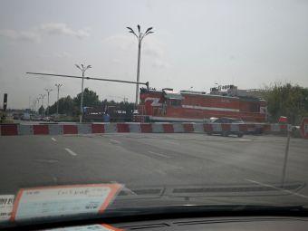 集贤服务区-停车场