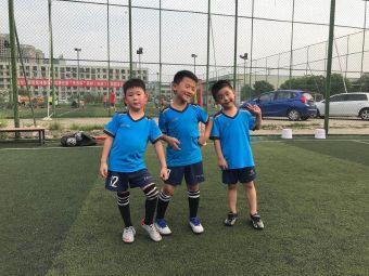 亥成足球训练基地(华阳店)