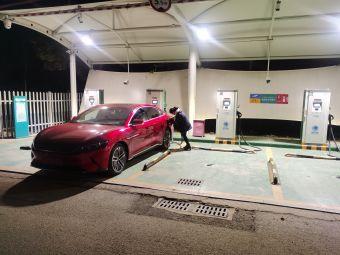 泰兴市北郊变电所电动汽车充电站