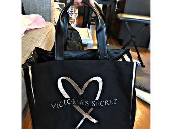 VICTORIA'S SECRET(oakridge mall)