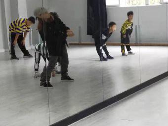 spt舞蹈工作室