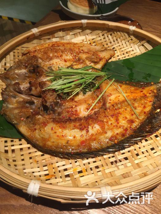 烤罗非鱼作文鱼的罗汉。图片