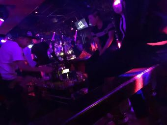 上可娱乐CC酒吧
