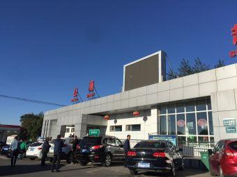 晋中服务区-停车场
