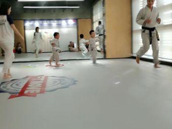 菲动武道体能