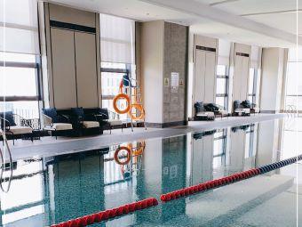 哈尔滨融创万达嘉华酒店游泳池