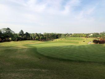 太阳岛高尔夫俱乐部