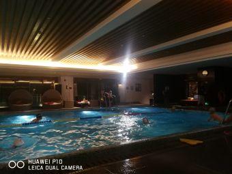 成都保利公园皇冠假日酒店游泳池