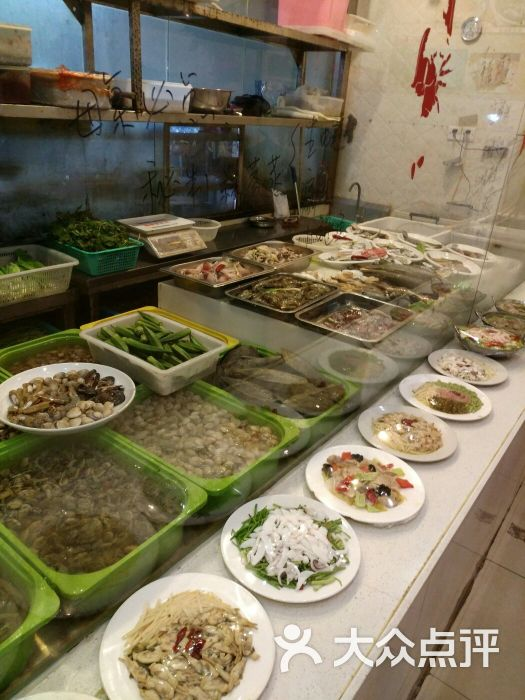 小海鲜大排档餐具摆设图片 - 第1张