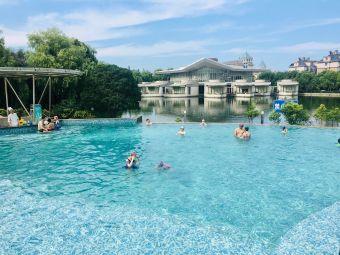 磊达大酒店游泳馆