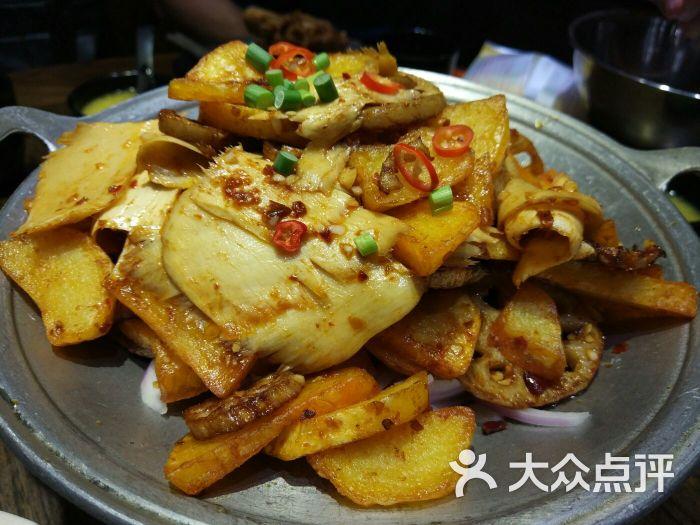王福记酱骨头馆-干锅板筋土豆片图片-青岛美食-大众