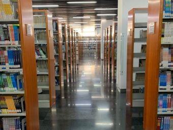 天津工业大学图书馆