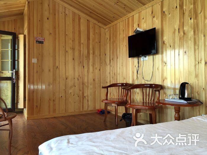 胡杨林假日庄园-精品木屋图片-张北县酒店-大众点评