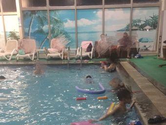 万家游泳馆