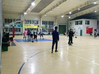 派丽篮球俱乐部