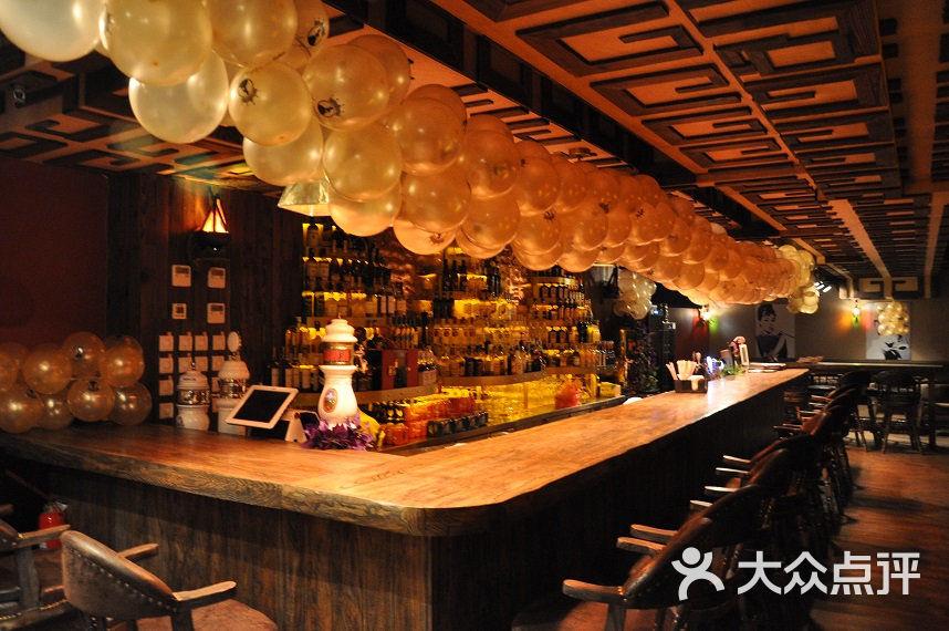 04_青岛安吉丽娜咖啡酒吧