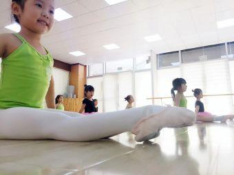 丑小鸭舞蹈学校