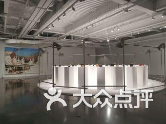 油罐艺术中心V乔空间-当季艺术展