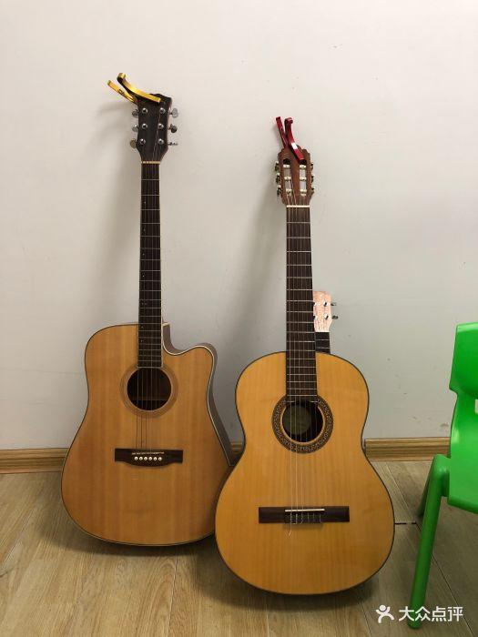 清木琴行吉他尤克里里培训中心(孝陵卫店)