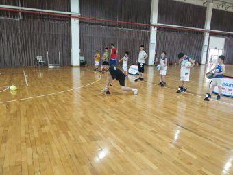 鼎跃体育青少年篮球培训