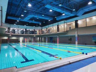 博尔特健身游泳馆