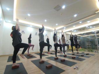 轻舍瑜伽工作室(锦丰店)