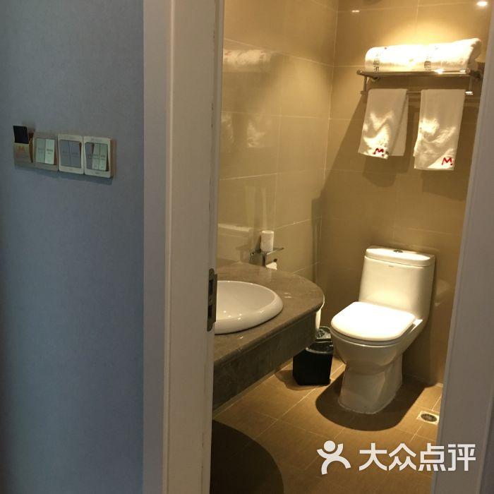 雅安碧峰峡萌趣东方动物主题酒店