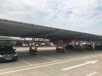 临沭服务区-停车场
