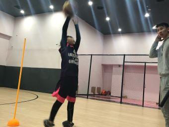 黑曼梦想篮球训练基地