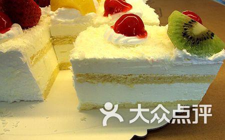 招牌白森林慕斯蛋糕