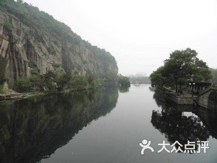 绍兴东湖风景区的点评