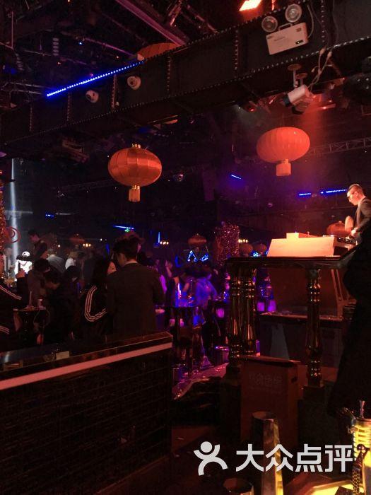 市南区 香港中路沿线 酒吧 夜店 菲芘爱上club(中联广场店) 所有点评