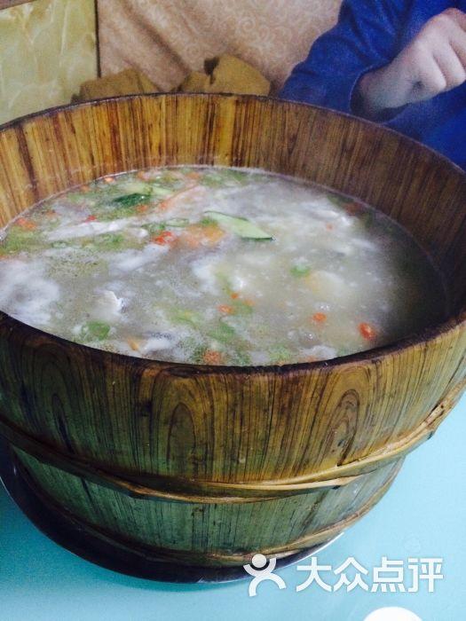 鹅宝石木桶鱼-木桶鱼-菜-木桶鱼图片-哈尔滨美食