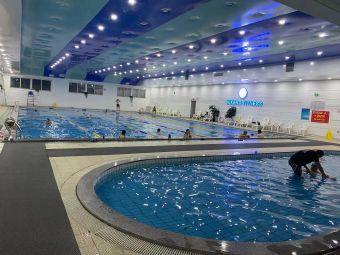 威凯斯游泳健身