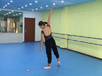 青青舞蹈艺术学校