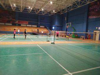 吉林省李宁艺馨青少年羽毛球培训基地