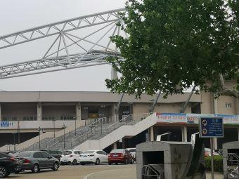 体育公园停车场