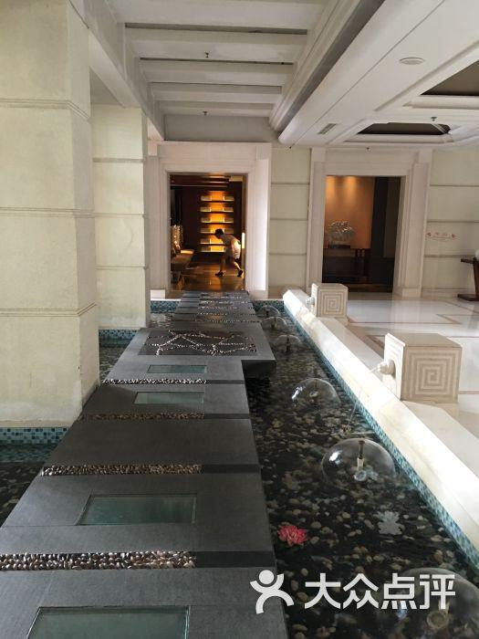 市南区 香港中路沿线 洗浴 在水一方海滨俱乐部(浅深青岛休闲酒店)