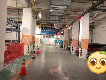 武汉市中心医院后湖院区停车场