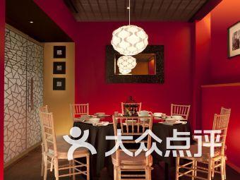 武吉士街小酒館