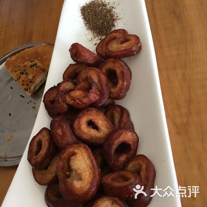 白家高记鱼丸粉肥肠-郑州大头粉图片与肥肠小妹图片