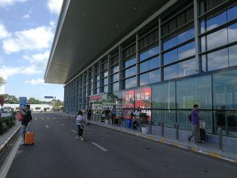 兴义机场停车场