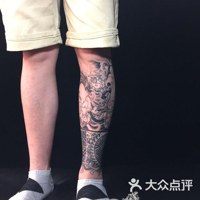 富贵双狮包小腿图片